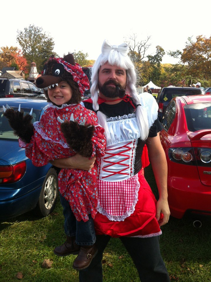 Dads Who Dressed Up to Support Their Daughters
