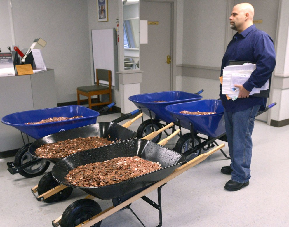 Man Paid His DMV With 300,000 Pennies And It Took 12 Hours To Count