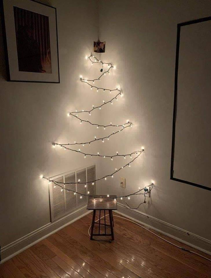 Low-cost Christmas Tree, funny pics, lol pics, Christmas tree jokes